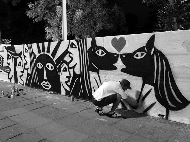 Derlon at work on the streets of Recife